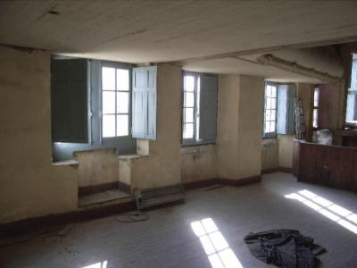 Les fenêtres de la salle basse.